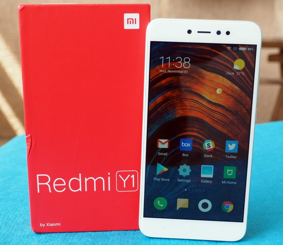 Best 4G Smartphone under 10000 - Xiaimi Redmi Y1